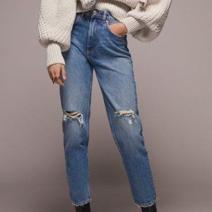 ZARA NWT RIPPED MOM FIT JEANS